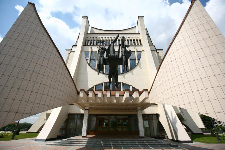 Архітэктура савецкага мадэрнізму, драмтэатр, архитектура советского модернизма, драмтеатр