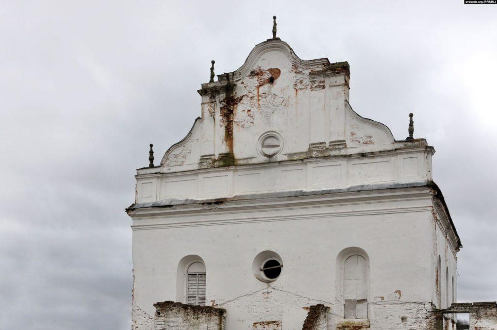 Па папярэднім пляне спачатку будзе аднаўленьне фасадаў сынагогі і прыбудоваў
