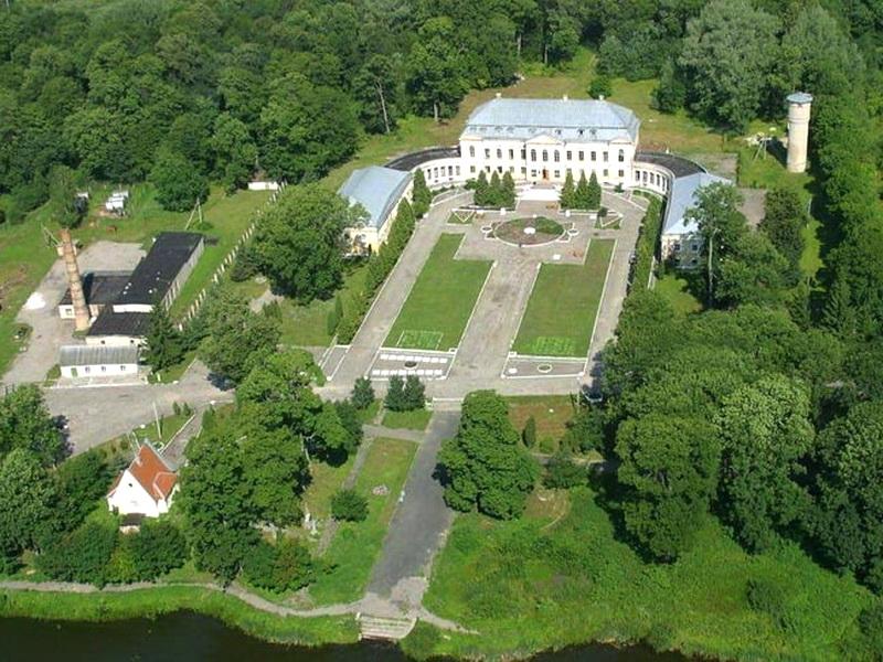 У Свяцку гарэла капліца насупраць палаца Валовічаў (абноўлена)