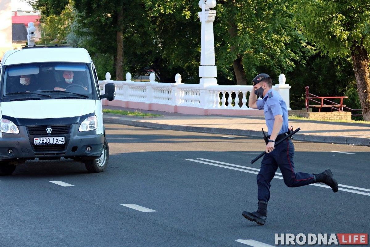 У Гродне прайшла чарговая акцыя салідарнасці: некалькі чалавек затрымалі