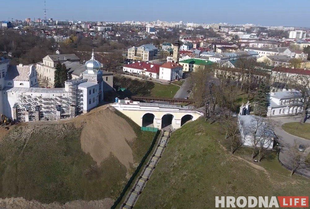 Мост паміж Старым і Новым замкамі ў Гродне - самы стары мост у Беларусі