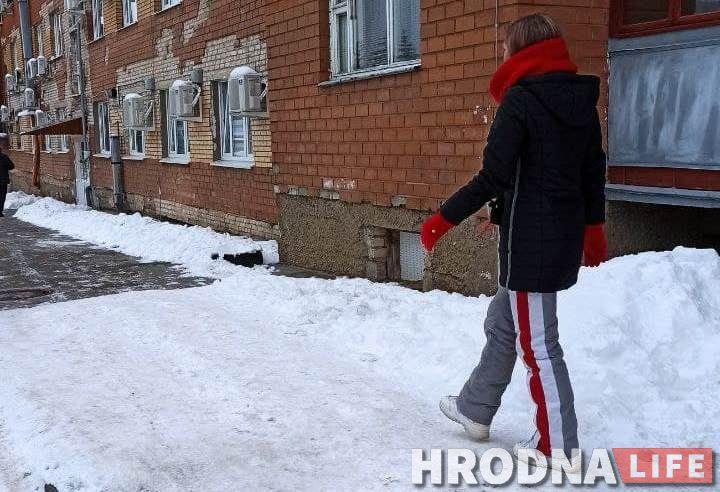 Спортивные штаны с БЧБ лампасами Люба Сарлай купила в 2014 году. Носила их зимой, в морозы