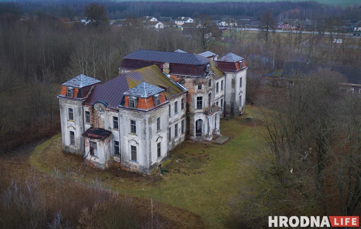 Палац у Жалудку выставяць на таргі. Аднойчы яго ўжо прадавалі